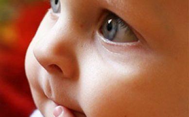 Prodotti per bambini: l'importanza di ingredienti naturali delicati ed emollienti