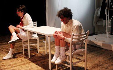 """""""43 Minuti"""", Vincenzo Messina e Luigi Vuolo sul palco del Teatro Bolivar di Napoli"""