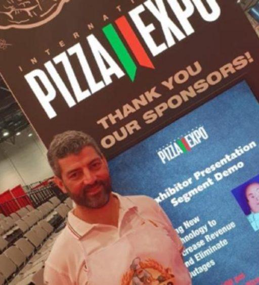 """Il pizzaiolo Fabio Cristiano e la pizzeria """" Da Gennaro"""" approdano a Las Vegas"""