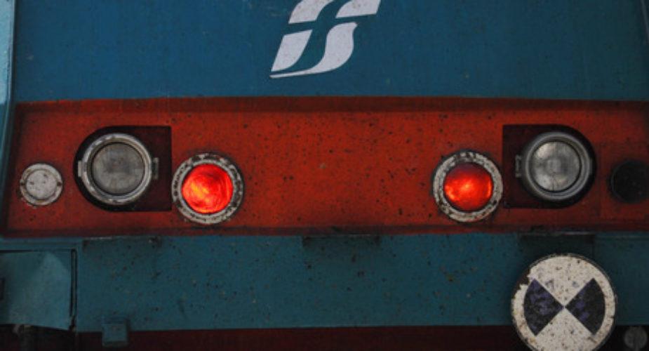 Investimento mortale, stop treni