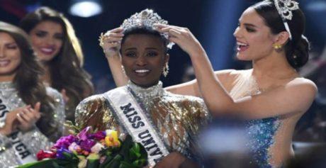 Prima sudafricana di colore ad essere incoronata Miss Universo