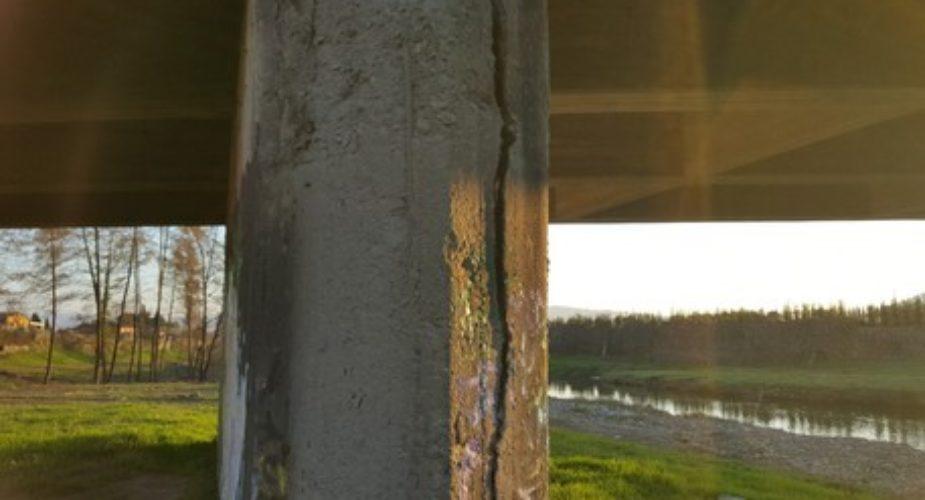 Chiuso ponte a Pistoia, pilone lesionato