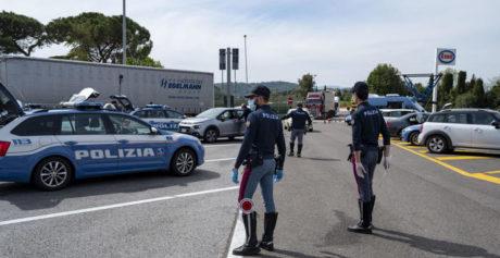 Posto blocco polizia su A1 a Firenze